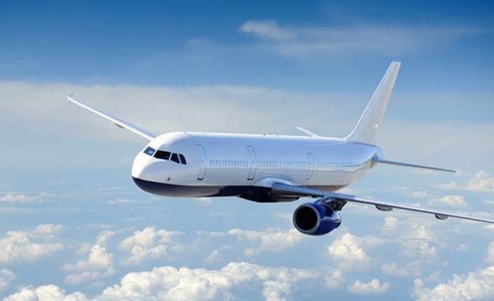 Rusya'da Boeing 737-800 tipi uçak acil iniş yaptı!
