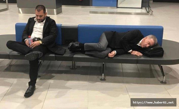 CAS Davası dönüşü tarihi görüntüler! Ahmet Ağaoğlu bankta uyuya kaldı!