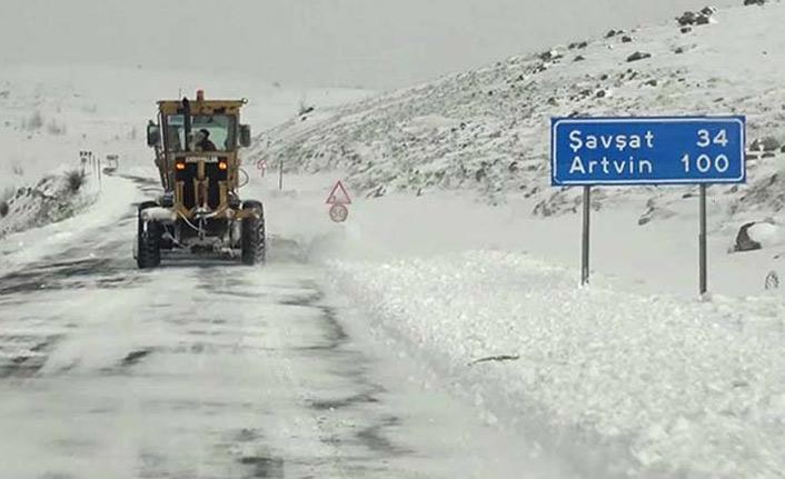 Ardahan-Şavşat kara yolu ulaşıma açıldı