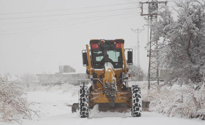 Kar ve tipi nedeniyle 30 kara yolu ulaşıma kapandı
