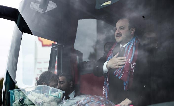 """Mustafa Varank: """"PKK'yı belediyelere sokmaya çalışıyorlar"""""""