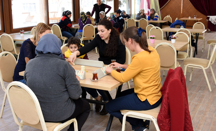 Umurbey'de 'Kadınlar Kahvesi' açıldı