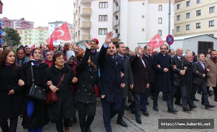 Beşikdüzü Murat Zorluoğlu'nu bağrına bastı