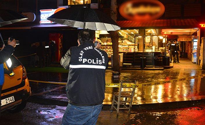 Bar önünde silahlı saldırı