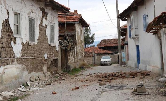 Denizli'de 4.9 büyüklüğünde deprem