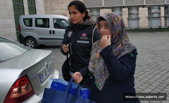 Havaalanında sahte kimlikle yakalanan kadın tutuklandı