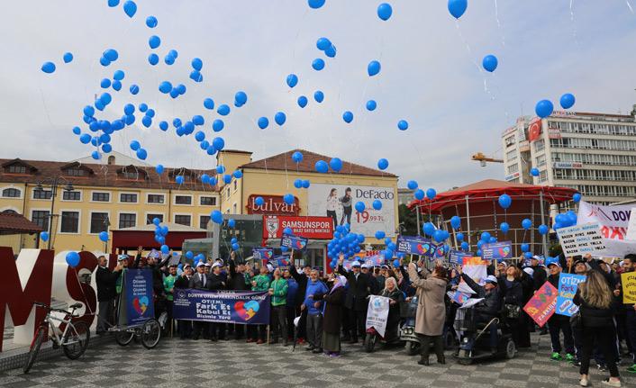 Mavi balonlar Otizmliler için gökyüzüne bırakıldı