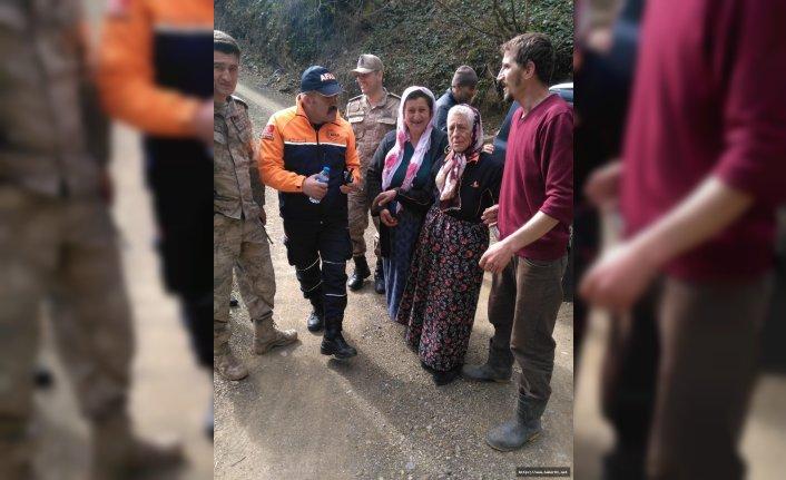 Kaybolan yaşlı kadın bulundu