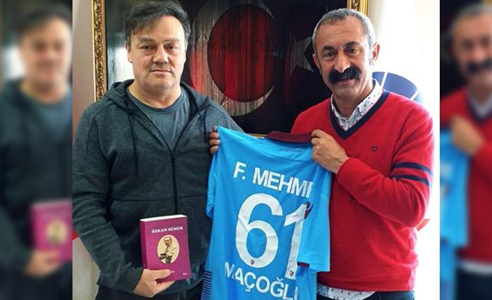 Komünist Başkan Maçoğlu'na Özkan Sümer'den jest
