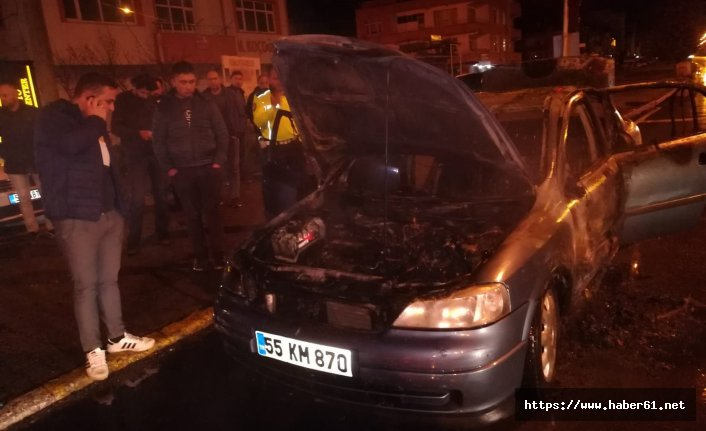 Otomobil alev topuyna döndü! Sürücü son anda kurtuldu!