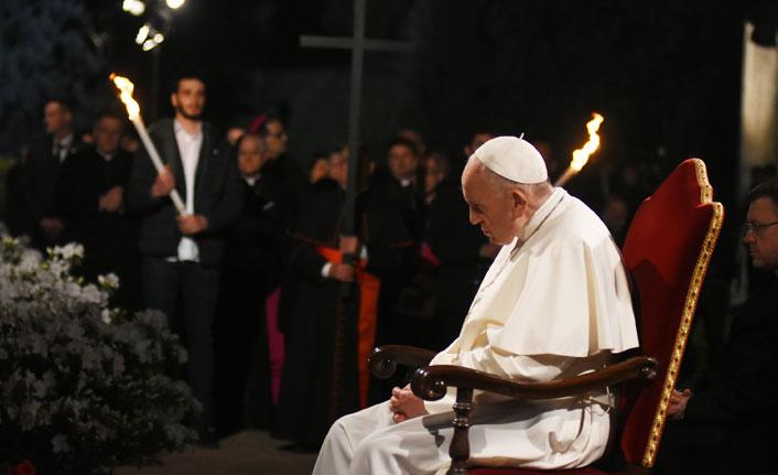 Papa: Kilise sürekli içten ve dıştan saldırı altında