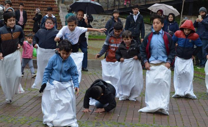 Göçmen öğrenciler Trabzon'da 23 Nisan'ı kutladı