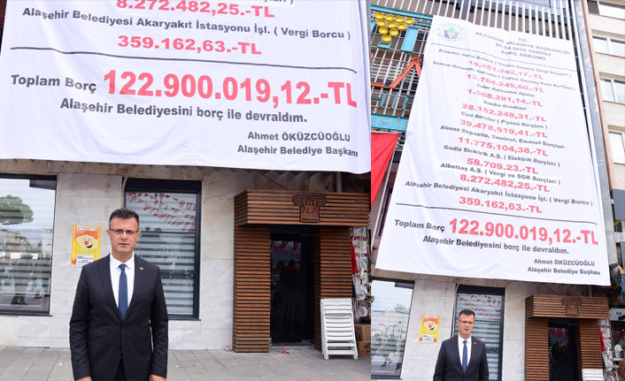 Devraldığı belediyenin borçlarını afişle açıkladı