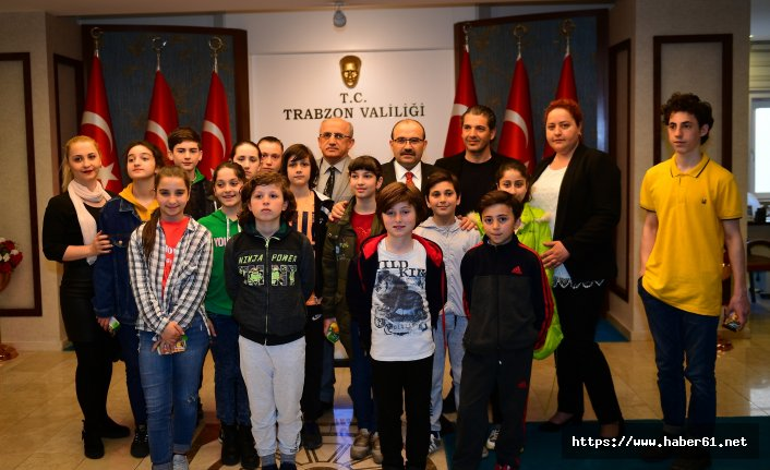 Gürcistanlı Öğrencilerden Vali Ustaoğlu'na Ziyaret