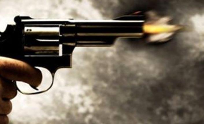 Giresun'da muhtar ve kardeşi silahla yaralandı