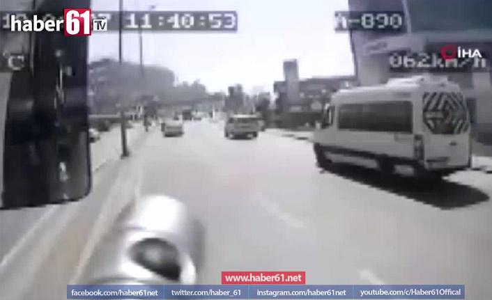 Minibüs ile otobüs çarpıştı: Ölü ve yaralılar var