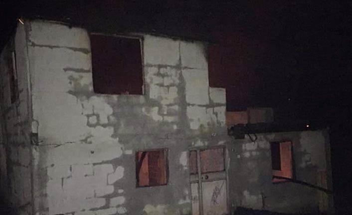 Komşusuna gitti, döndüğünde evini yanmış halde buldu