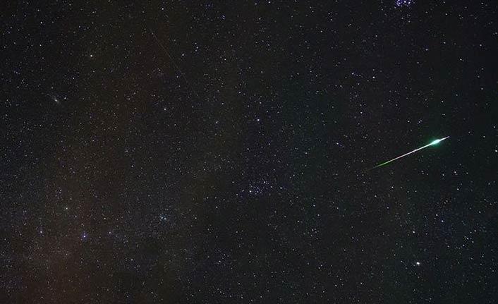 Dev asteroid 10 yıl sonra Dünya'yı teğet geçecek