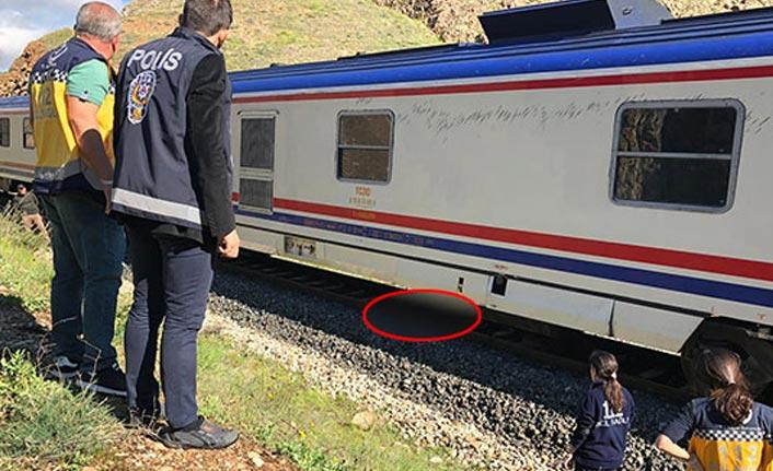 Sivas'ta feci ölüm! Trenin altında...