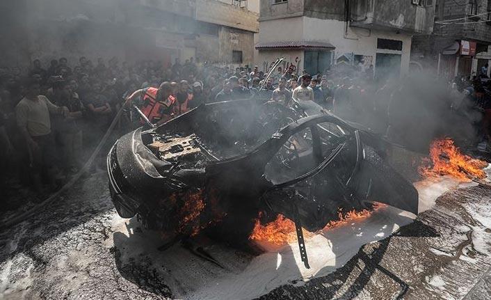 İsrail Gazze'de sivilleri taşıyan aracı hedef aldı
