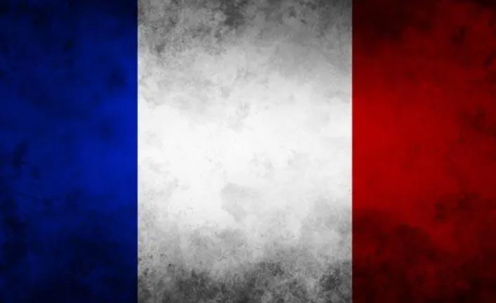 Fransa'dan skandal karar! Başörtülü annelere...