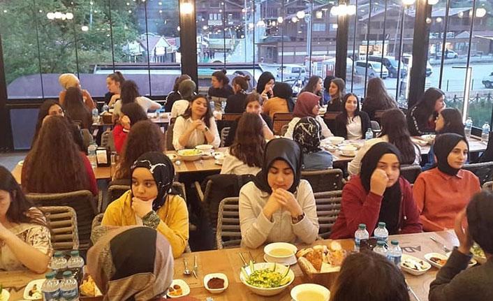 Uzungöl' de bin kişilik iftar yemeği düzenlendi