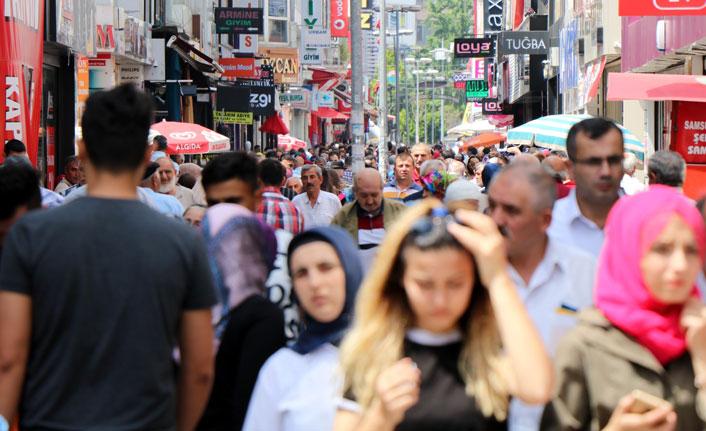 Çarşı- pazarda bayram hareketliliği