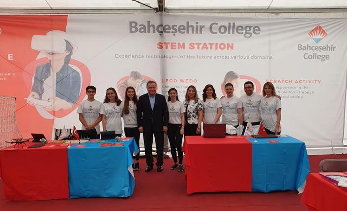 Bahçeşehir Koleji ''Imagineering Fuarı'nda Türkiye'yi temsil etti
