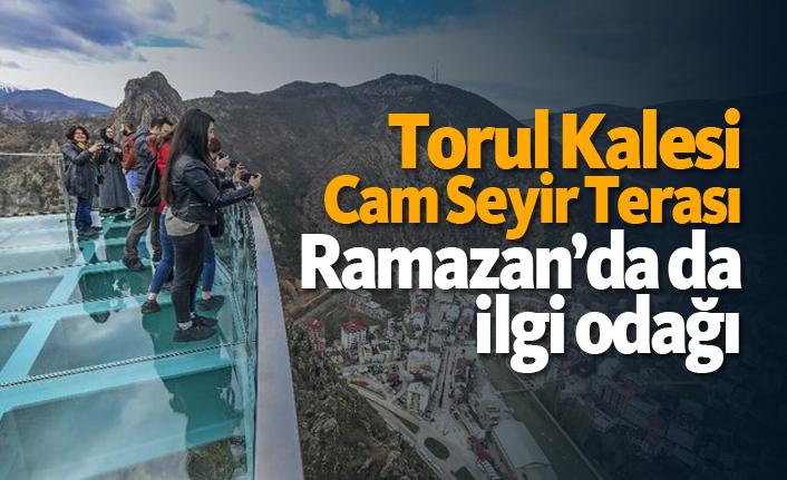 Torul Kalesi Cam Seyir Terası Ramazan'da da ilgi odağı