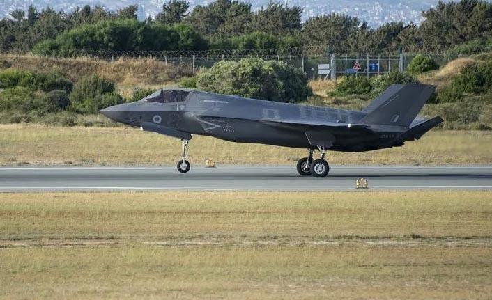 Türk pilotların F-35 eğitimleri durduruldu