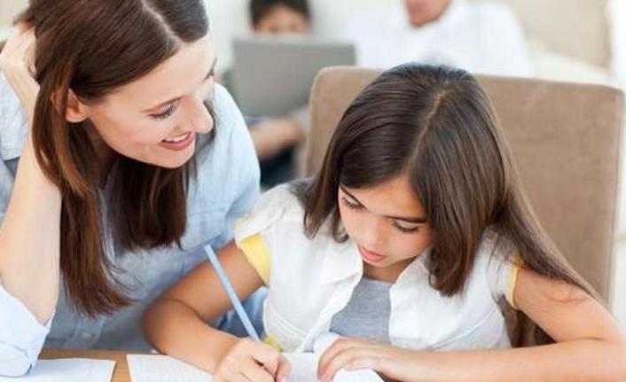 Sınavlar yaklaşırken aile tutumuna dikkat!