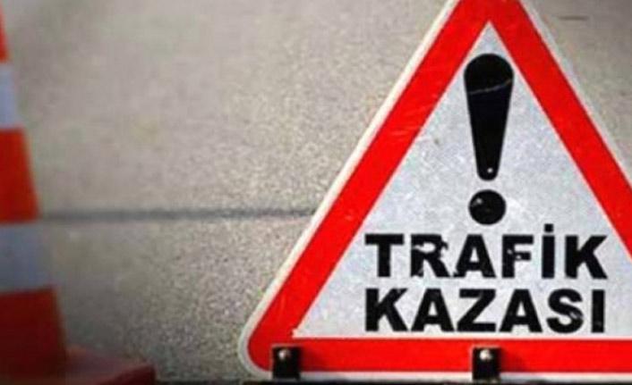 Trabzon'daki cenazeden dönerken kaza yaptı