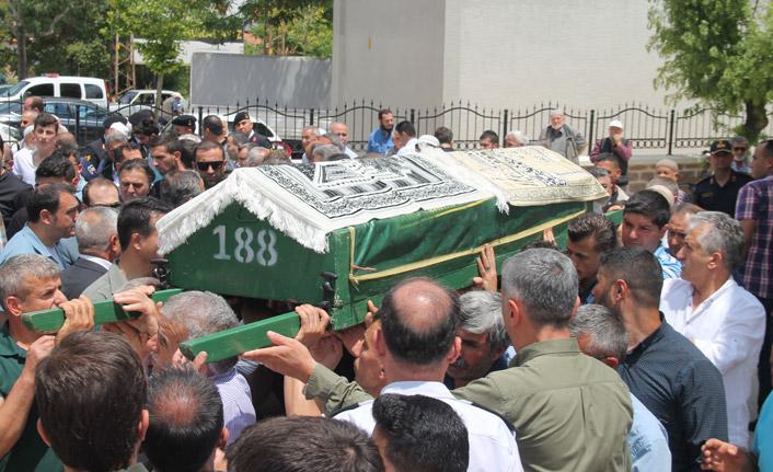 Trabzon İl Jandarma Komutanının babası son yolculuğuna uğurlandı