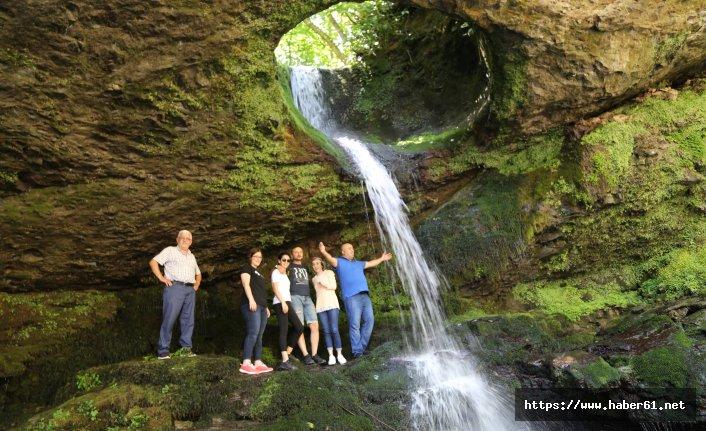 Artvin'de bir doğa harikası! Delikli Kaya Şelalesi
