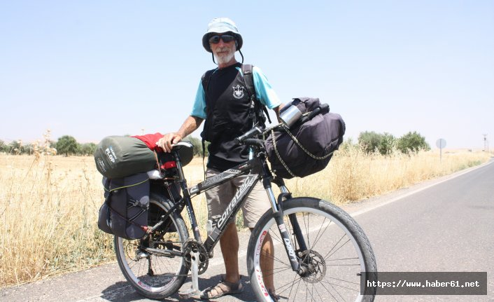 Bisikletiyle Türkiye'yi gezmeye başladı
