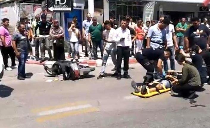 Hızını alamayan araç motosiklete çarptı!
