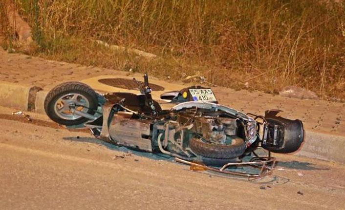 Otomobil motosiklete çarptı, sürücü ağır yaralı