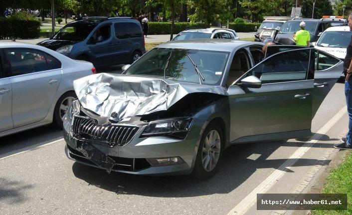 Zırhlı araca çarpan otomobil pert oldu!