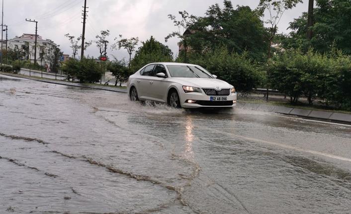 Karadeniz'de yağmur bu kez orayı vurdu!