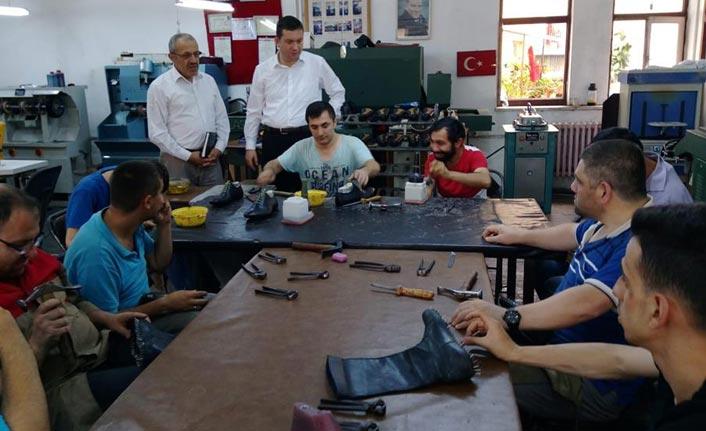 Ortahisar Halk Eğitim Meslek Sahibi Yapıyor