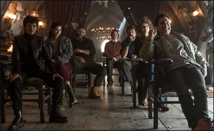 La Casa De Papel 3. Sezon başladı! Ankara ve İstanbul karakterleri var mı? Netflix nasıl indirilir veya üye olunur...