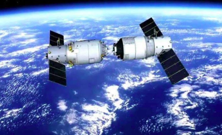 Uzay istasyonu Dünya'ya çakıldı