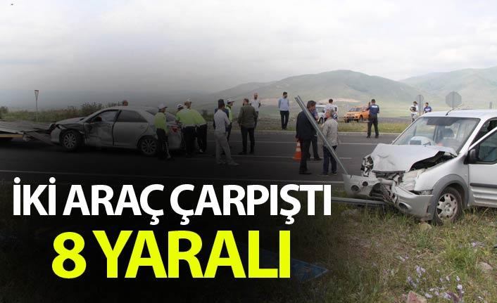 İki araç çarpıştı - 8 yaralı