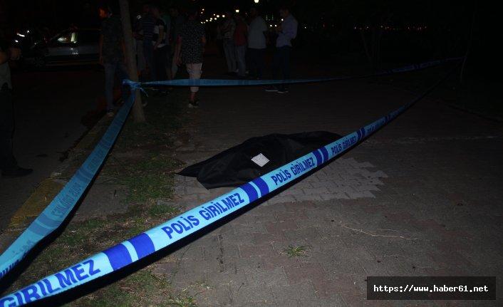 Önce yayalara sonra başka otomobile çarptı! ölü ve yaralılar var!