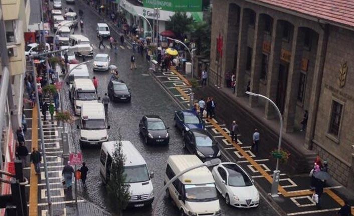 Başkan Zorluoğlu Maraş caddesi için sabır istedi