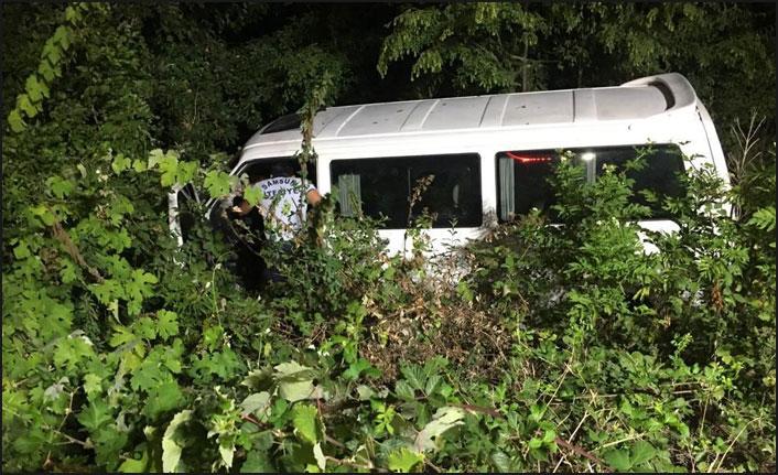 Samsun'da minibüs şarampole uçtu: 1 yaralı