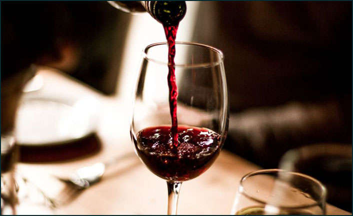Trump'tan Fransız şarabı vergisi tehdidi
