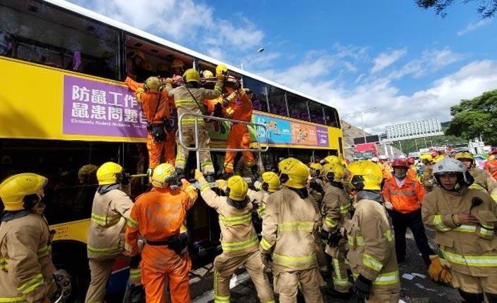 Trafik kazası: 77 yaralı