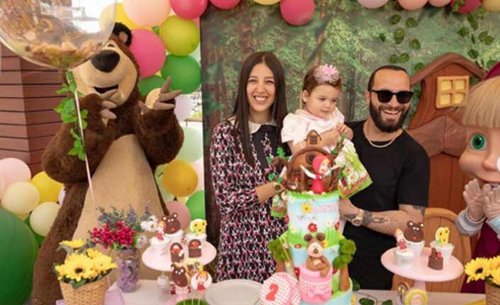 Ünlü popçunun eşi, Arya' nın doğum gününü kutladı