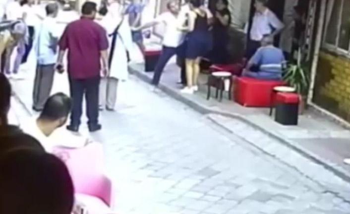 Kadınlar birbirine girdi, o anlar kameraya yansıdı